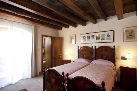 Le Pioppe room with private bathroom - Bed & Breakfast
