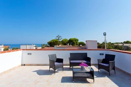 Villa con terrazza-Residence privato sbocco a mare - Carini