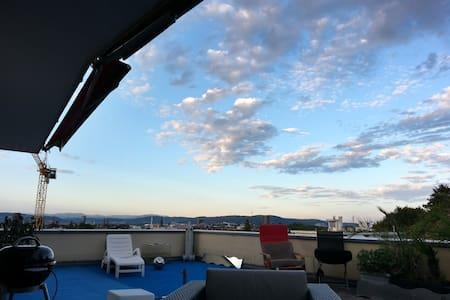 Dachwohung mit toller Aussicht - House