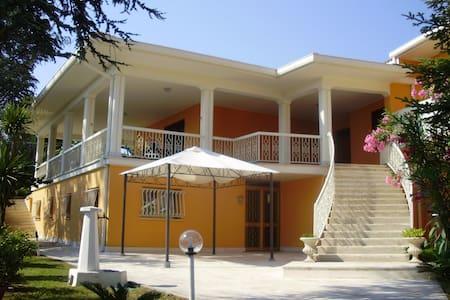 Villa Giovina ROSETO DEGLI ABRUZZI