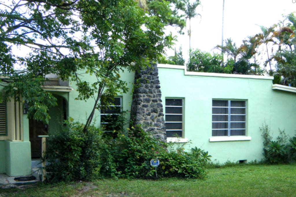 2 BEDROOM HOUSE WITH POOL ACCESS Houses For Rent In Fort Lauderdale