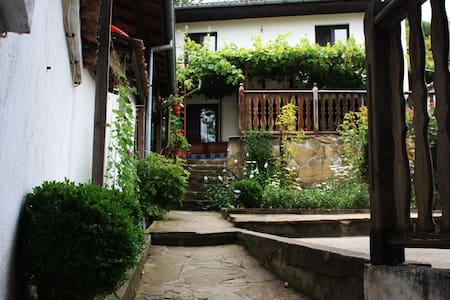 Hikers Hostel - Veliko Tarnovo - Bed & Breakfast