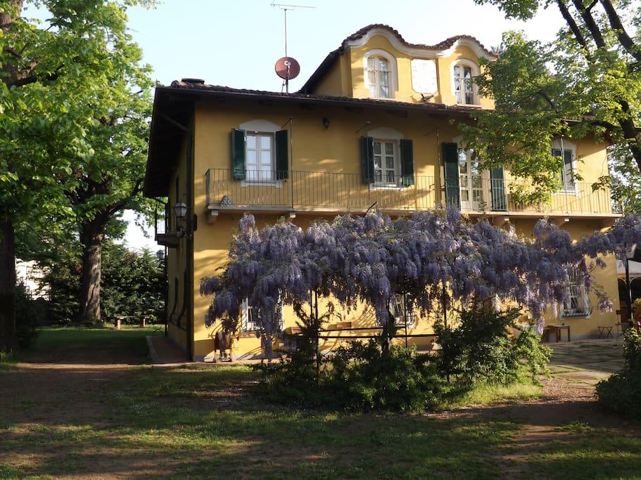 Villa Mirano esplode di colori in Primavera!!
