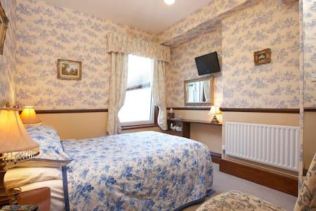 Room No 1 @ Brookfield B&B Keswick.