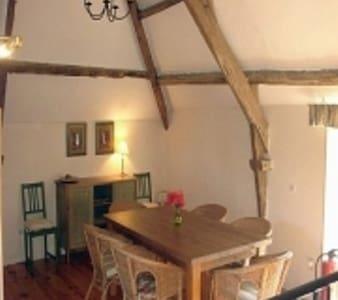 Pretty Breton Farmhouse Brittany - Haus