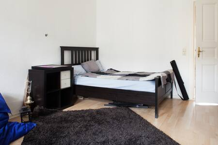 Large Room in Central Mitte Apt - Berlin - Apartment