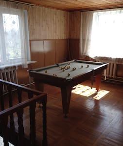 Сдам  2 этажный дом 270м в Грибовке - Ház