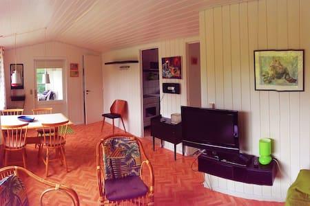 Hyggelig sommerhus i Allinge til 4 personer. - Cabin