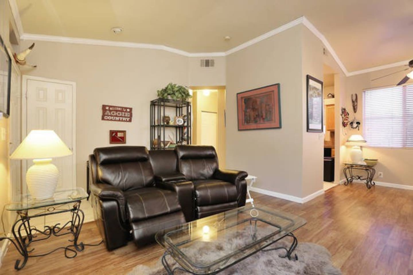 1 B/R Condo 2 miles West of MGM