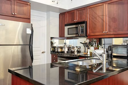 Modern condo minutes from downtown