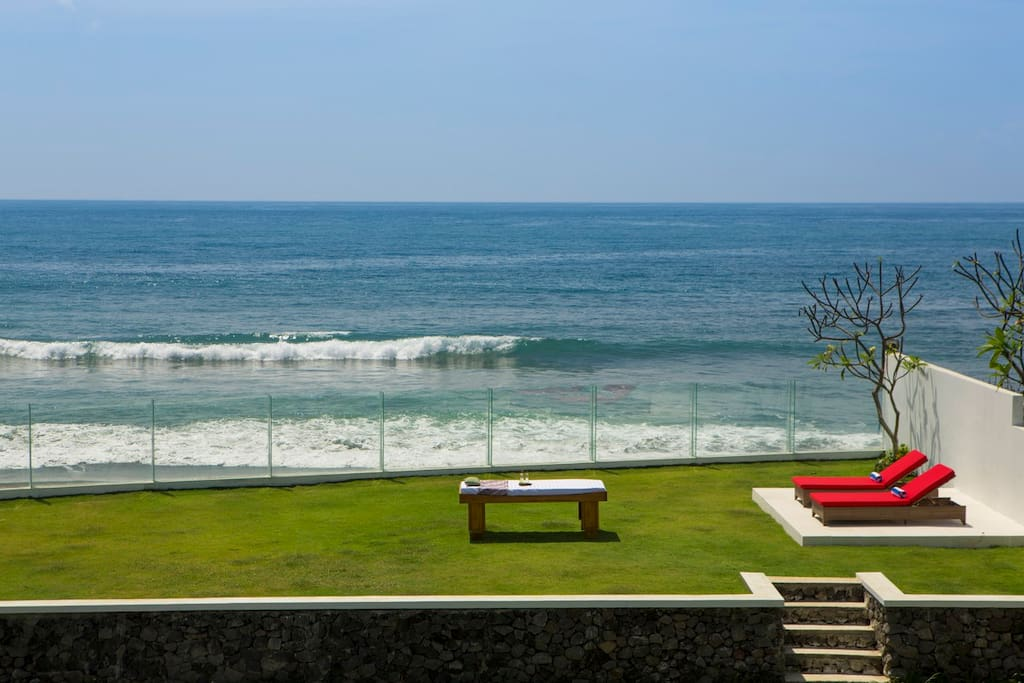 This villa has a spa room, however, you can also receive a massage next to the ocean.