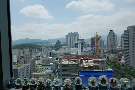 대구동대구역 걸어서5분거리 복층구조 깨끗!!!최적의숙소 - 대구광역시