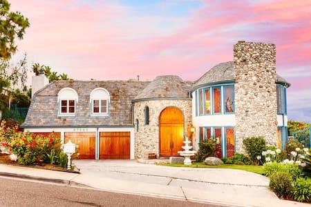 Ocean & Sunset View Mansion - Chardonnay Suite - Ház