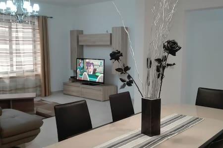 2 bedroom, Seaside, Nicely done, Well-priced Apt - Tas-Sliema - Byt