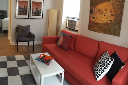 Stylish 1Bed Apt w/Park 15 Min to NYC - 31 day min - North Bergen