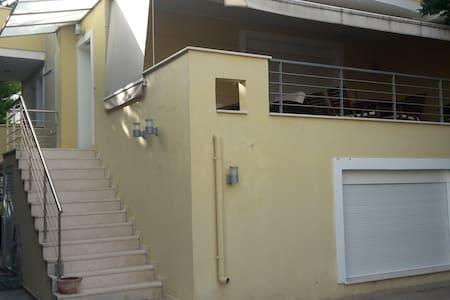 60 ΜΕΤΡΑ ΑΠΟ ΠΑΡΑΛΙΑ - Condominium