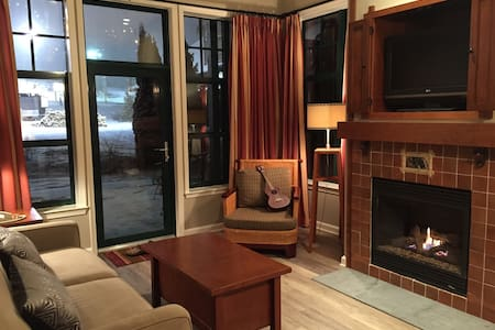Luxury 2 bed, 2 bath, Mountain View - Faház