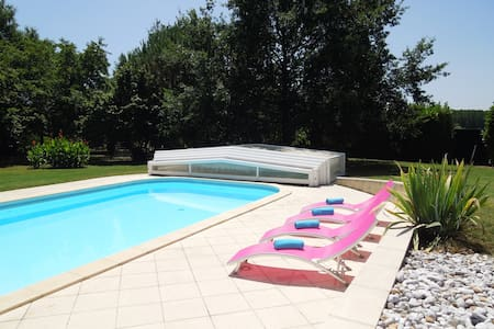 Spacious Villa with Private Pool - Caudrot - House