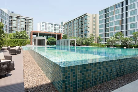 A tidy and clean apt. with a pool! - Chiang Mai - Flat
