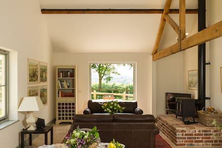Pretty barn conversion in rural Dorset - Hanford - Casa