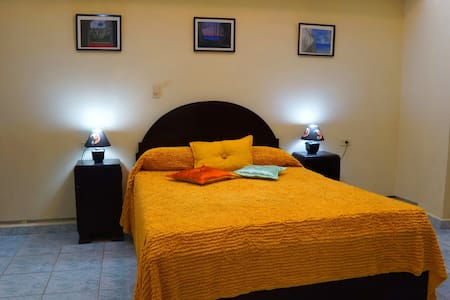 ST.CL-1.2 Familia Sarmiento - Bed & Breakfast
