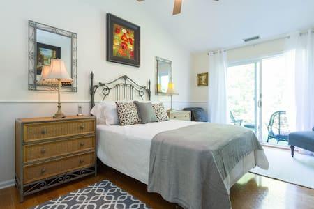 Hampton's Estate Mini Suite Room
