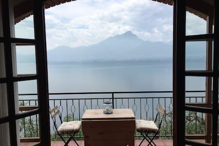 Villa with lake view, pool & garden - Torri del Benaco - Villa