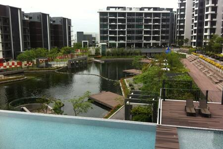 New Light Collection with pool view - Gelugor