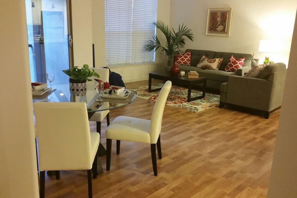3 Bedrooms Luxury Apt Near Spectrum Apartments For Rent In Irvine