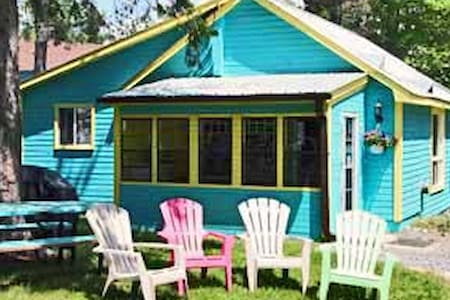 Blue, Deluxe Cottage - Wilberforce - Cabin