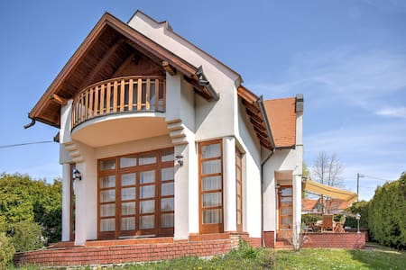 Beautiful lake house in Revfulop with hot tub - Révfülöp