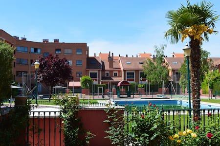 Precioso adosado en Valladolid - Szeregowiec