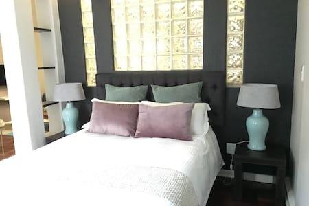 Trendy apartment-Rosebank - JHB - Apartemen