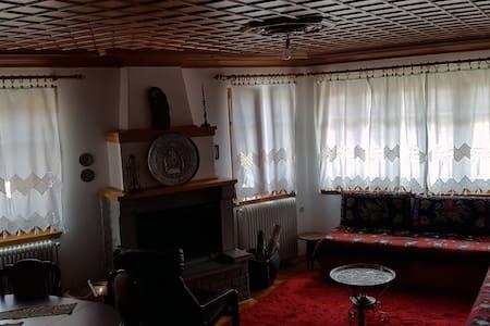 Μετσοβο:Παραδοσιακό κατάλυμα με θέα