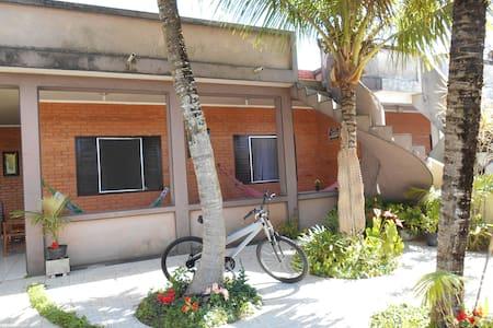 Casa confortável a 80mts da Praia ! - Ilha Comprida