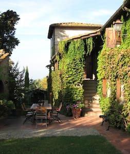 Lupinati Girasole with pool - Greve in Chianti
