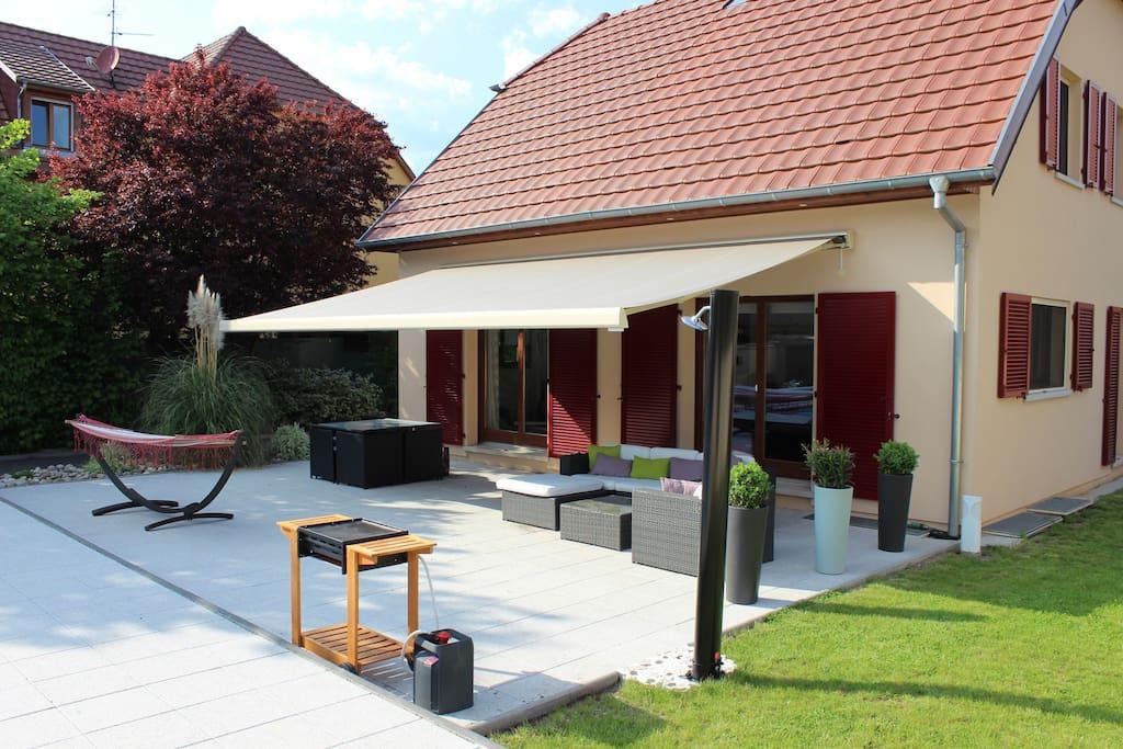 Terrasse salon de jardin / plancha