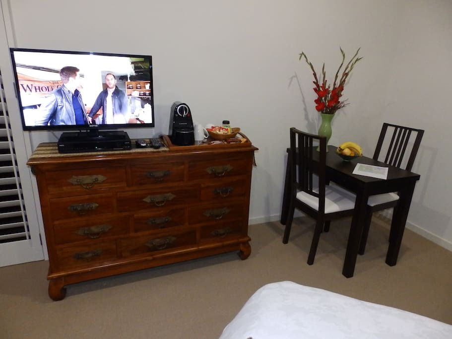 Cable TV  and eating or working area with Nespresso Coffee Machine