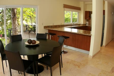 Room type: Private room Accommodates: 3 Bedrooms: 1