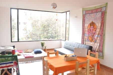 SHANTILAND -  Bedroom Available - Bogotà