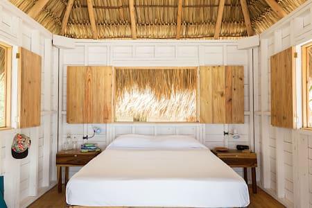 SUYO, Beach Cabaña #1, Playa Popoyo - Tola - Andere