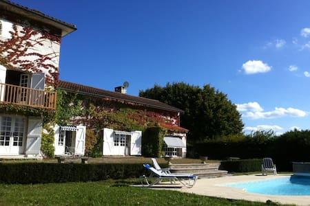 La croix Bardon - poncins - Haus