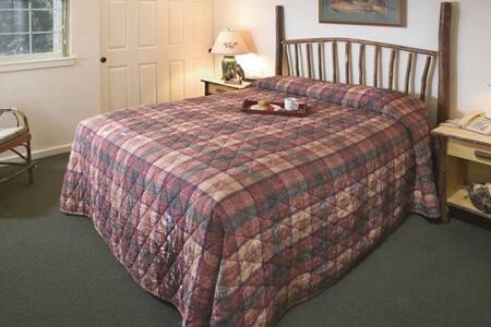 1 Bed Wyndham Running Y, OR - Klamath Falls - Apartment