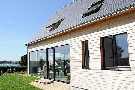 Bioclimatic seaview villa ria Étel - House