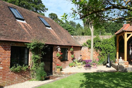 The Coach House near Emsworth - Westbourne - House