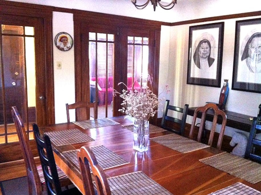large formal dining room that seats up to ten