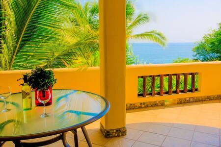 Luxury Oceanfront Apartment 4