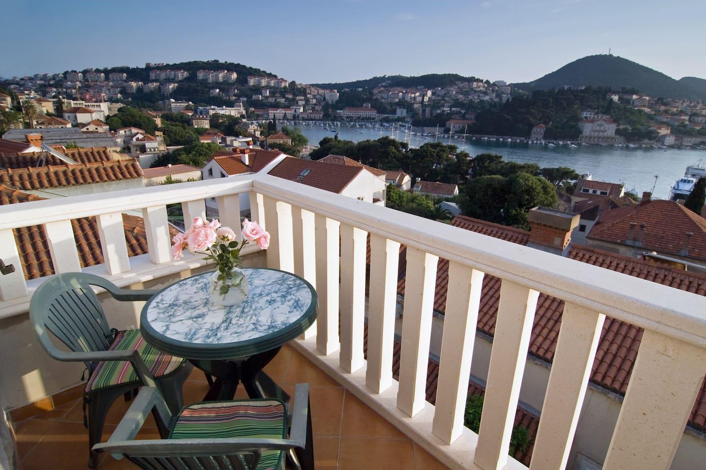 Balcony with beautiful view of Gruz bay
