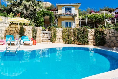 Villa Mimosa: luxe, seaview, pool, privat, quiet! - Kaş