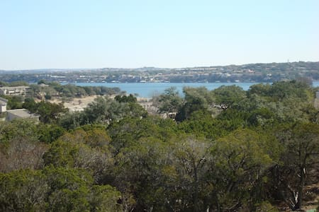 Kamp King Lakeview of Lake Travis - Point Venture - Casa